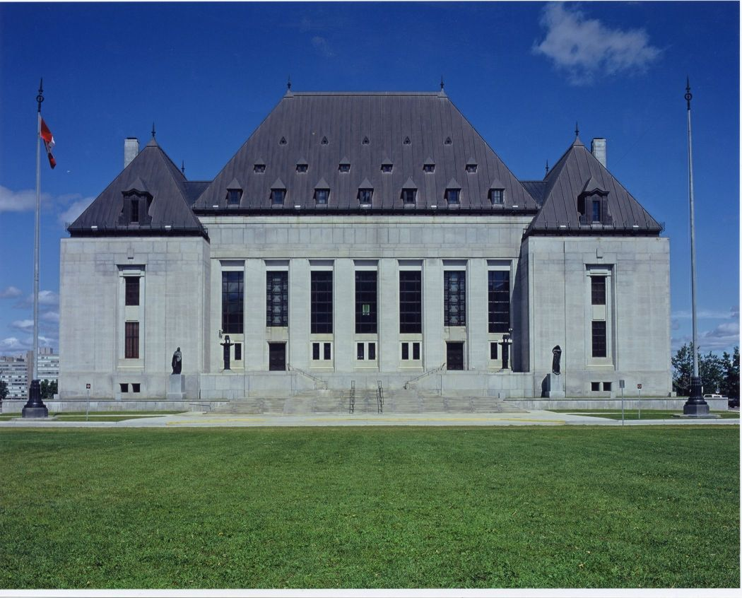 Exterior view of the Supreme Court of Canada, built in Art Deco design in 1939.